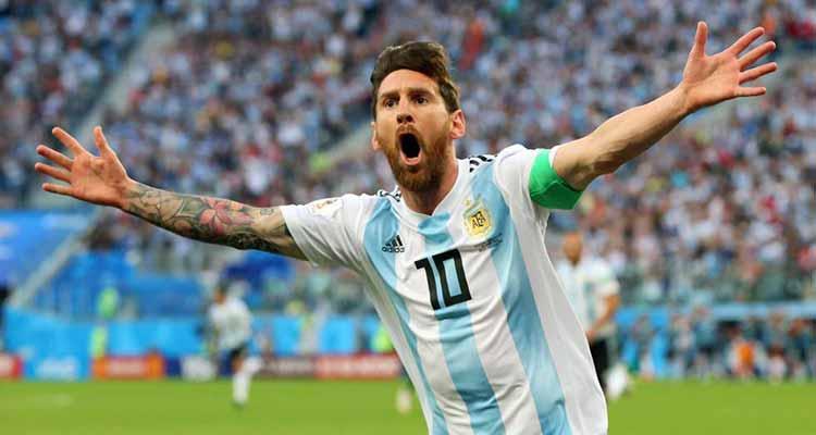 Argentina clasificó como pudo y Perú ganó su primer juego en un mundial 36 años después