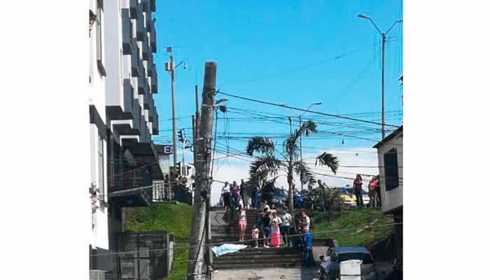adulta mayor cayó noveno piso centro Armenia