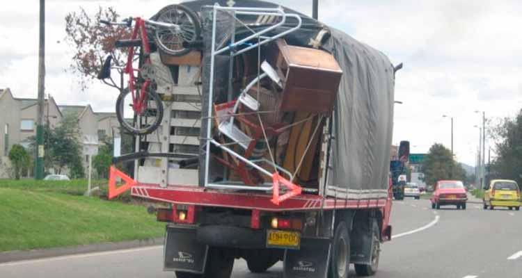 Transporte de cilindros de gas, trasteos o escombros prohibido desde este sábado por elecciones