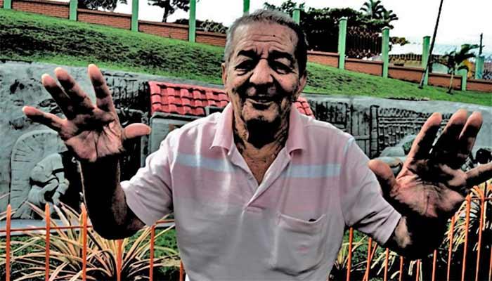 Al gran escultor quindiano Efrén Fernández Varón, creador del 'Barranquismo', quien murió este diciembre