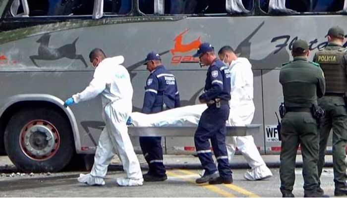 joven muerto debajo bus volcó Barcelona - Río Verde