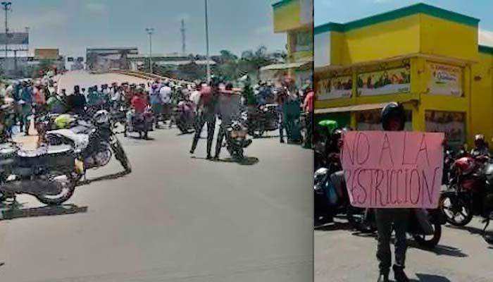 Motociclistas protestan en Armenia restricciones parrillero