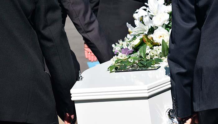 La tendencia en Japón de asistir a tu propio funeral sin que hayas muerto
