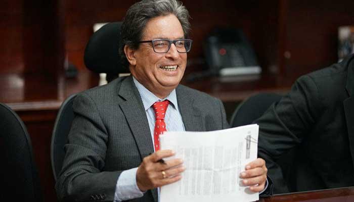 Colombianos tendrían más impuestos en 2021