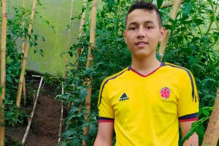 Estudiante Pijao beca