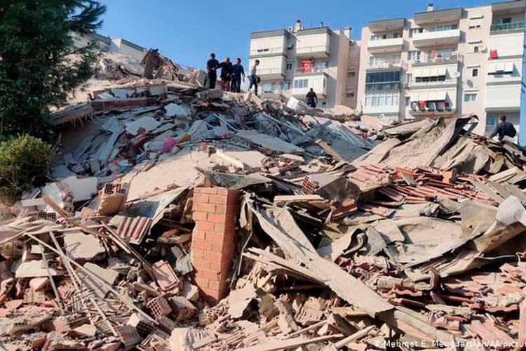 Terremoto en Turquía y alerta de tsunami en isla griega