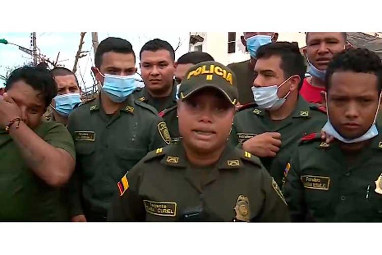 Entre lágrimas policías enviaron mensaje a sus familias desde Providencia