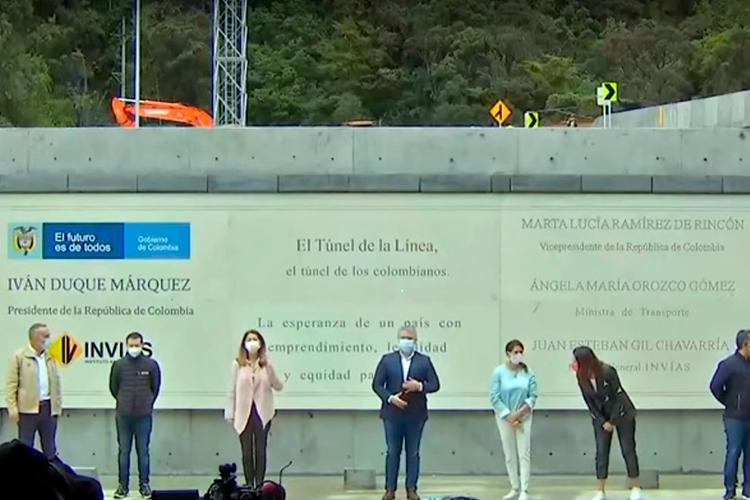 Ordenan retirar placa con el nombre del Presidente en el Túnel de la Línea